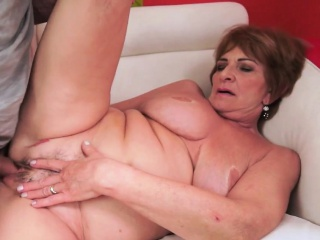Bigassed gilf cum soaked