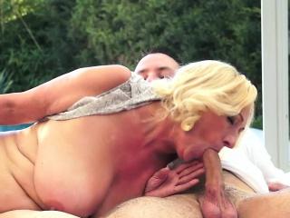Blonde granny turns doggy