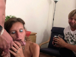 Mature threesome sex with a strangers