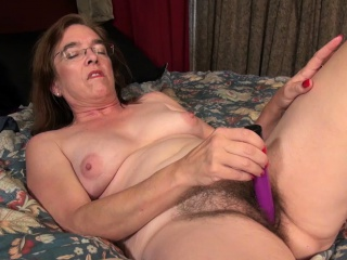 USAwives Hairy Ladies and Hot Matures