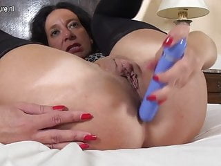Mature mom with hungry ass and pussy