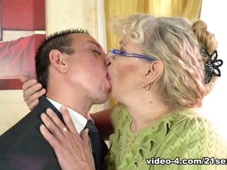 Viola Jones  Rob in Young Cock For Granny Pussy - 21Sextreme