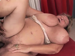 Fat mature slut rides on a BBC