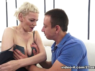 Masha Sun & Rob in Learning Russian Pays Off - 21Sextreme