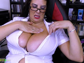 OldNannY Extremely Busty Mature Lulu Showoff