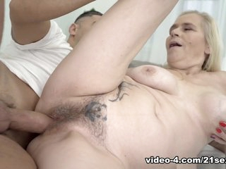 Violett & Mugur in Tainted Love - 21Sextreme