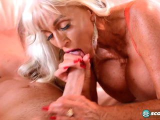 Sally's waiting for an ass-banging! - 60PlusMilfs