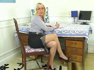Britain's sexiest milfs part 54