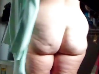 Big Butt Housewife s Fat Jiggly Ass Exposed 4