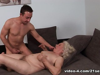 Norma in Room for young males Video