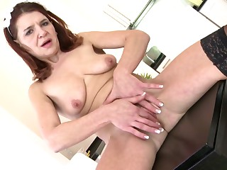 Mature housemaid mom with hungry vagina