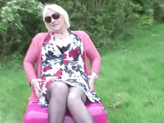 Real Mature MOM with Starving Old Vagina