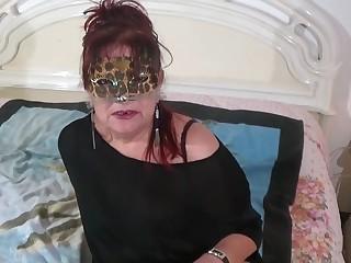 Mature e Granny italiane amano cazzi giovani e duri