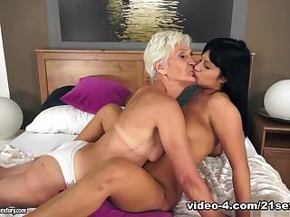 Best pornstar in Fabulous Cunnilingus, Lesbian sex scene