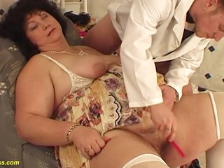 fat mom fucked by her hairdresser