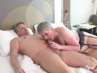 Naughty Wife Lady Sucks Big Hard Male Stick - Candy Cummings